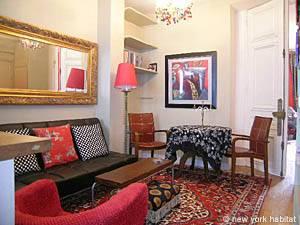 One-bedroom in Montmarte living room