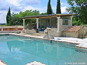 5 Bedroom Rental Beaucaire - Avignon Region - Pool