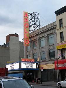 Photo of Harlem's Apollo theatre