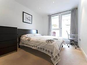 London Accommodation 2-bedroom apartment in Richmond-Wandsworth (LN-595) pict