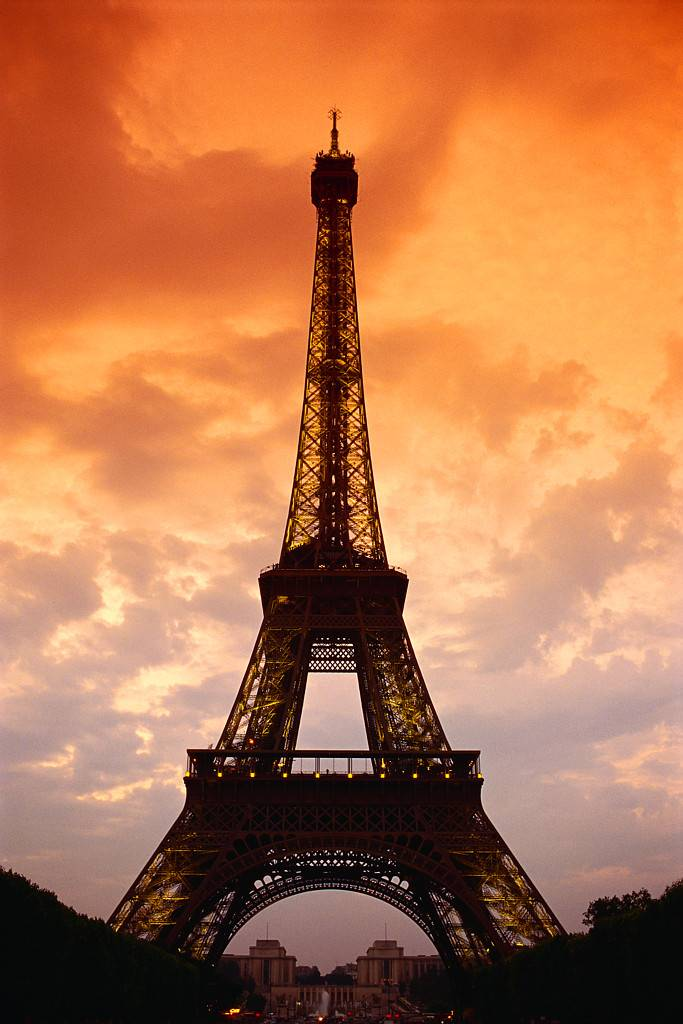 Eiffel Tower, France: New York Habitat Blog in French