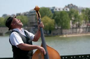 Music along the Seine in Paris
