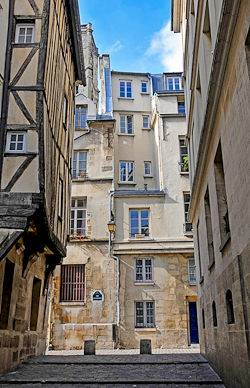 Photo of a street in Le Marais, Paris