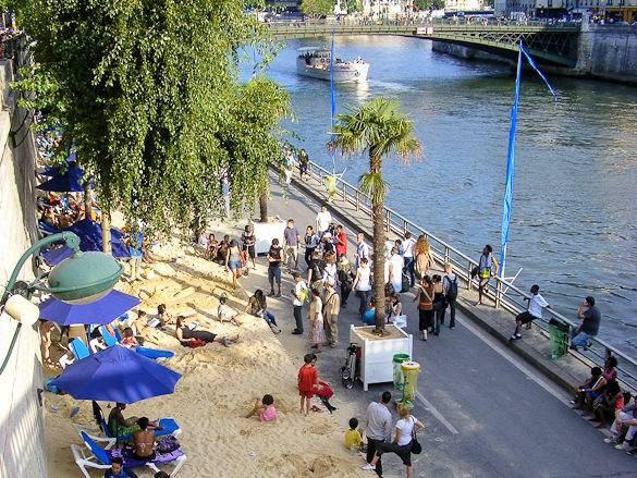 Image of a Paris Plage next to the Seine River