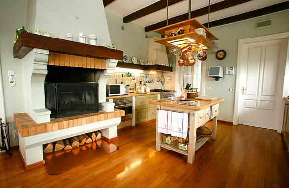 Picture of a traditional kitchen