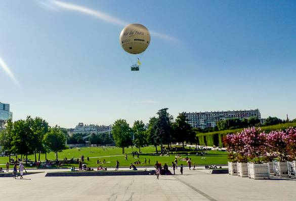 Picture of the Parc Andre-Citroen in Paris and a hot air balloon