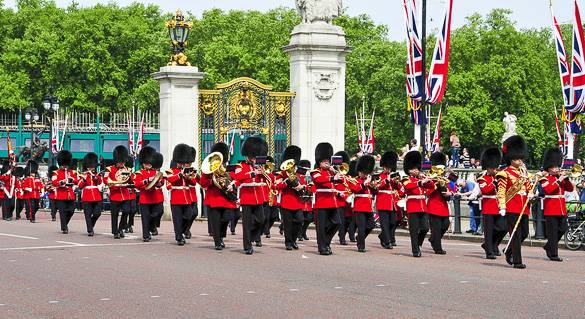 Picture of the changing of the guard at London's Buckingham Palace