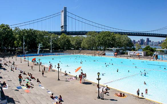Picture of the Astoria Park Pool next to the East River in Queens