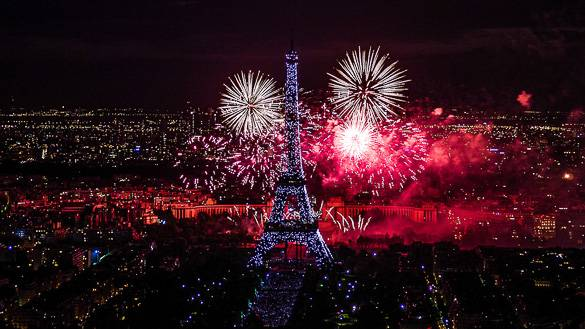 Image of a Bastille Day fireworks show in Paris