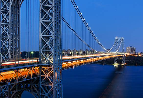 Image of the George Washington Bridge at nighttime