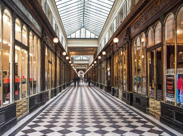 Image of the Galerie Vero-Dodat, a passage in Paris
