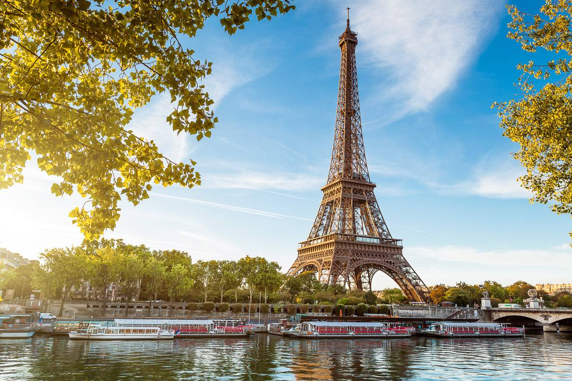 Top 10 things to do with kids during summer in paris new for Places to stay in paris near eiffel tower