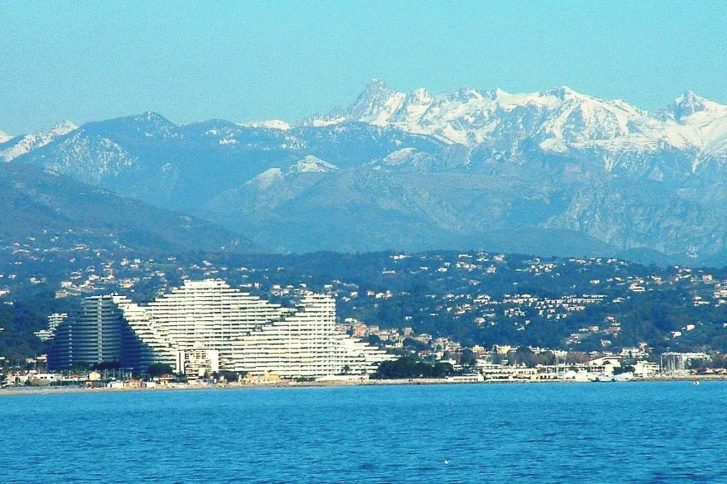 Image of the Marina Baie des Anges development on the French Riviera, PR-1223