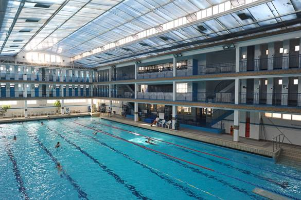 Best places to swim in paris new york habitat blog for Piscine pontoise