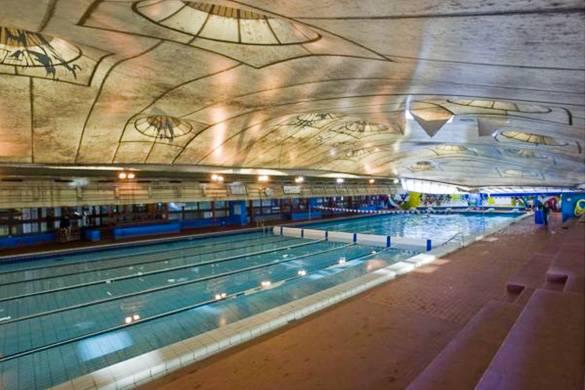 Best places to swim in paris new york habitat blog for Piscine roger le gall paris