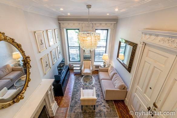 Image of the living room of furnished Upper West Side studio NY-16873
