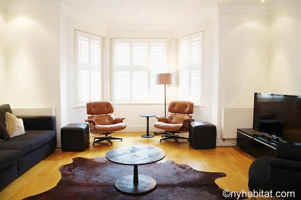 Image of living room of LN-621 in South Kensington