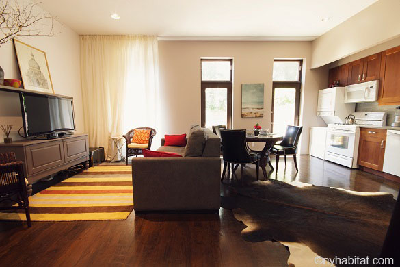 Image of the living room area of apartment NY-15441 in Long Island City, Queens