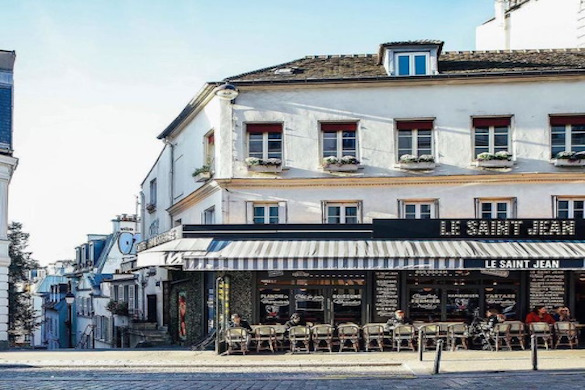 Image of outdoor seating at Cafe Le Saint Jean in Montmartre