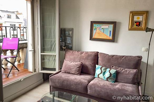 Image of living room of PA-3979 in Ternes with balcony seating