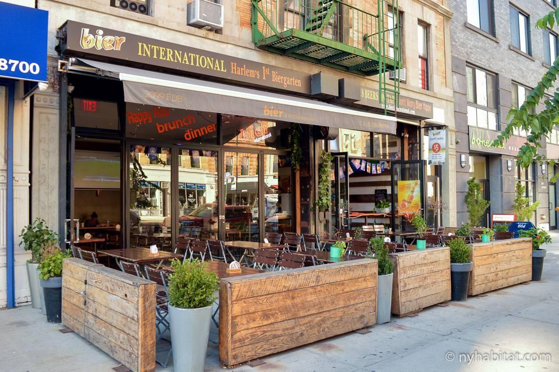 Image of a beer garden in Harlem