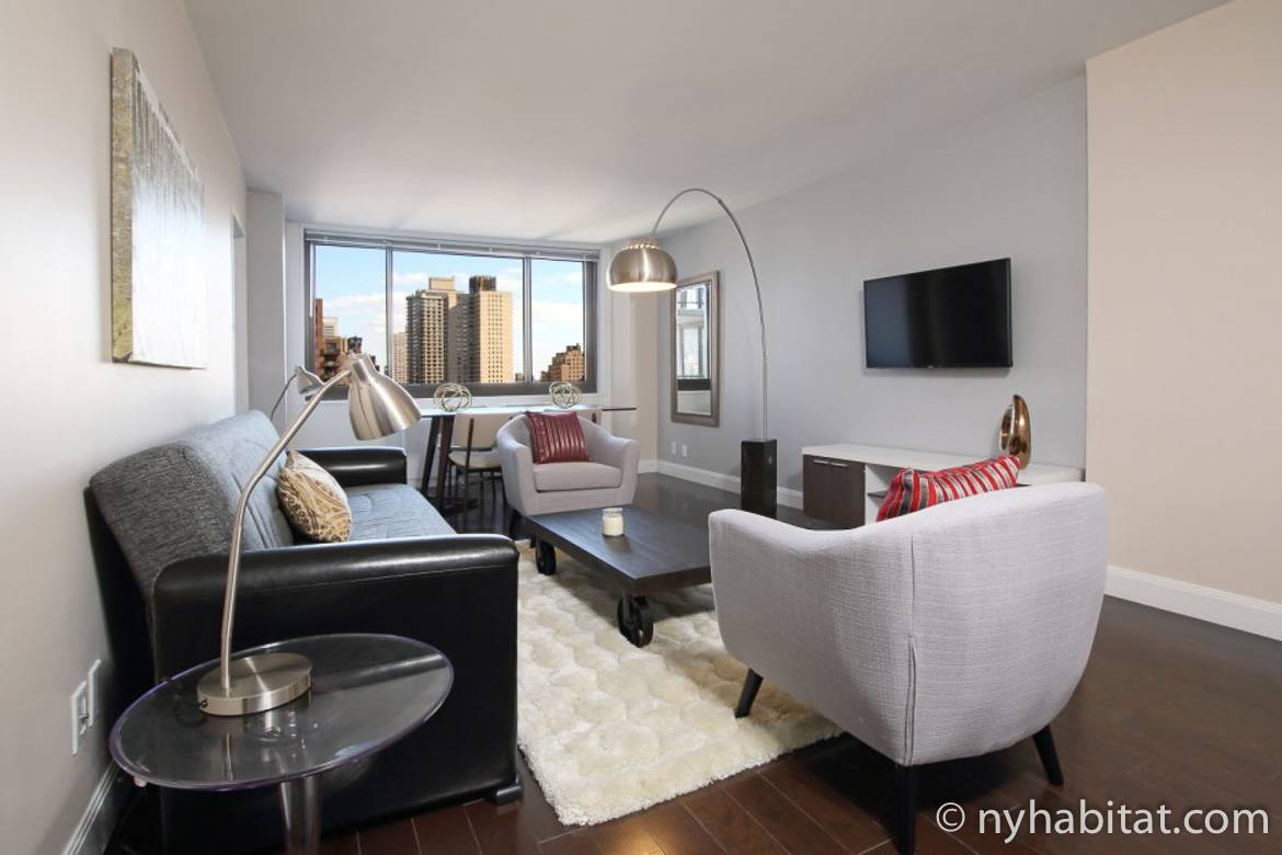 Image of living room of NY-16818 on the Upper East Side
