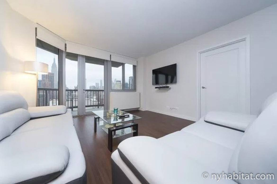 Image of living room of NY-17161 in Midtown East with view of Empire State Building