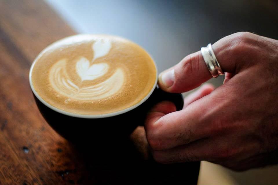 Bild einer Tasse Cappuccino in London