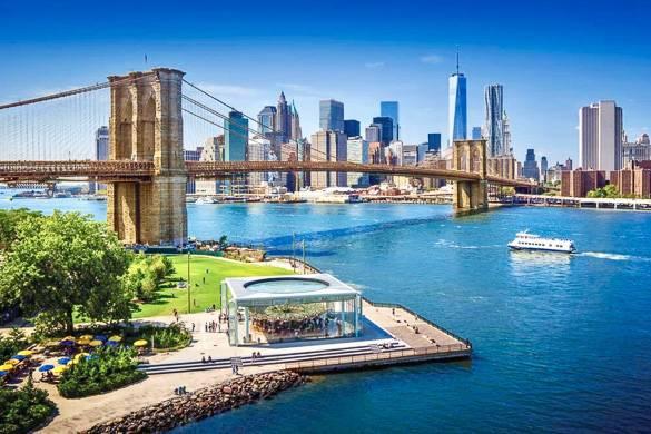 Bild der Brooklyn Bridge und Skyline der Stadt von Brooklyn aus