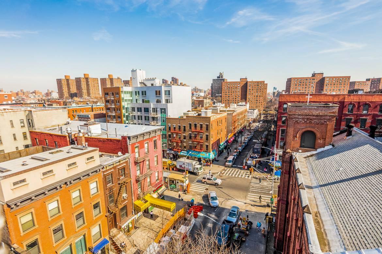 Foto der Straßen Harlems von oben