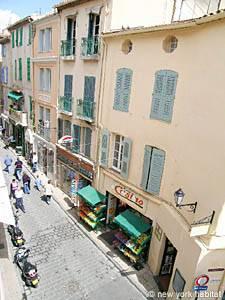 Location de vacances dans le Sud de la France. Photo de la vue d'un appartement T1 à Saint Tropez, Côte d'Azur (PR 630)