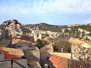 Location en Bed and Breakfast dans le sud de la France. Photo de la vue d'un appartement T4 aux Baux de Provence (PR-248).