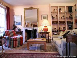 Location meublée à Paris. Photo d'un appartement T3 à Port Royal, Saint Michel (PA-3126)