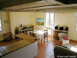 Location meublée dans le sud de la France. Photo d'un appartement T5 à Aix en Provence (PR-919)