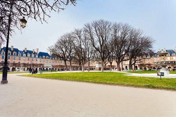 Photo de la Place des Vosges dans le Marais, à Paris