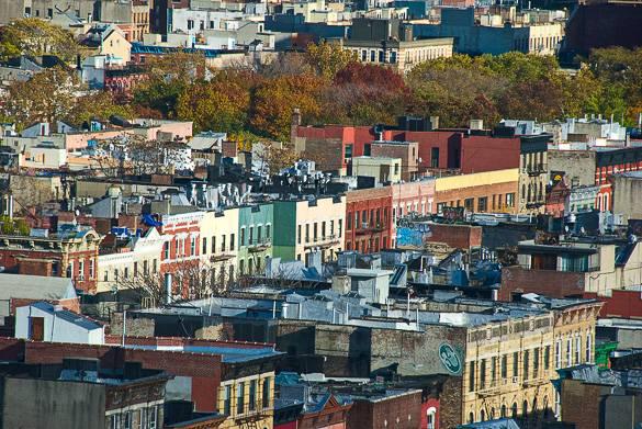 Vue sur les toits de l'East Village de Manhattan