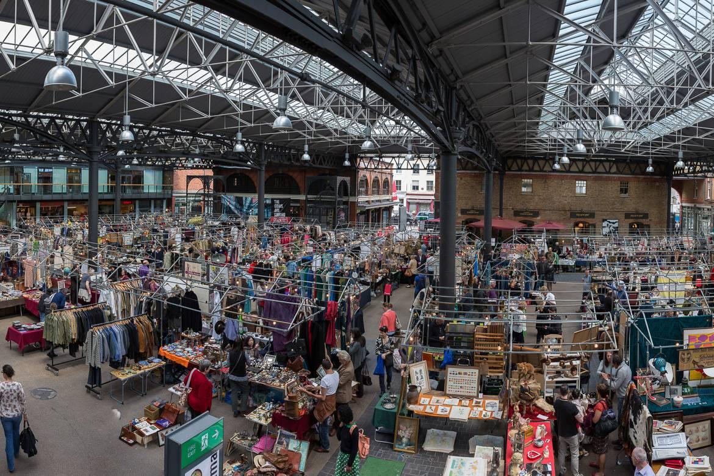 Faites du shopping dans le marché couvert du quartier artistique de Spitalfields