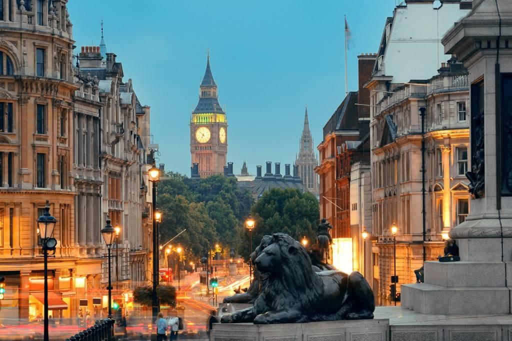 Image de Big Ben vu de Trafalgar Square à Londres