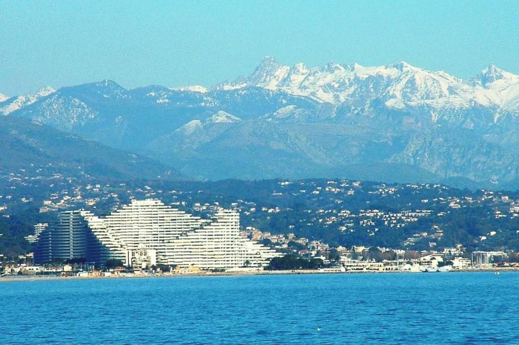 Photo du complexe de la Marina Baie des Anges sur la Côte d'Azur, PR-1223