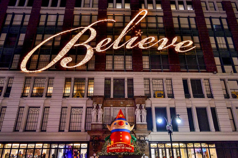 Photo de l'illumination de Macy's, « Believe »