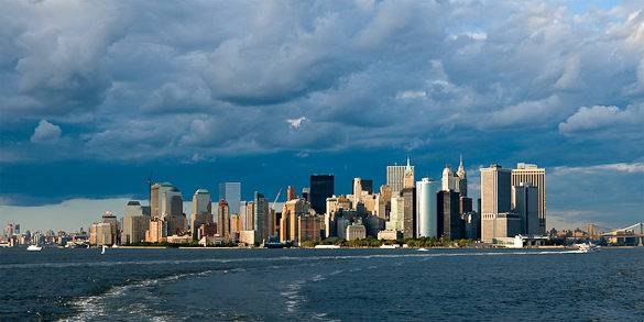 Nuvole di pioggia su Lower Manhattan, New York
