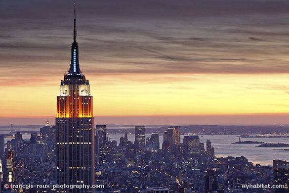 Foto dell'Empire State Building e il profilo di New York City