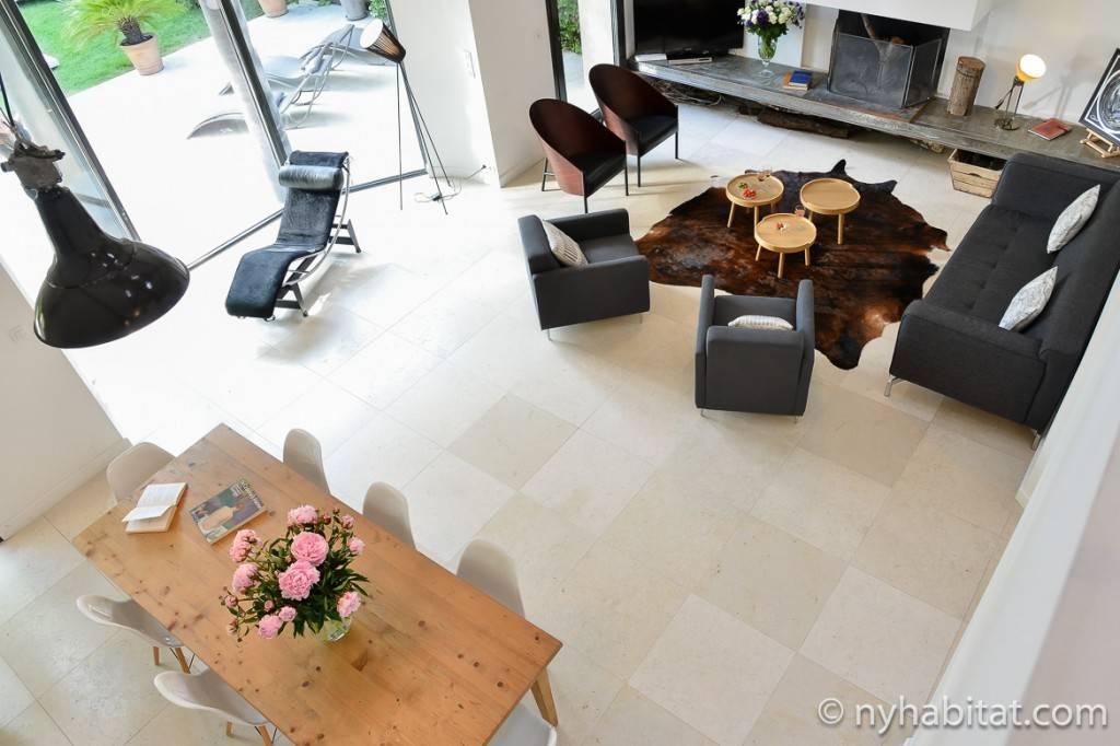 Immagine del soggiorno-sala da pranzo della Villa Cézanne