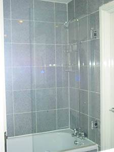 London 1 Bedroom accommodation - bathroom (LN-287) photo 2 of 3