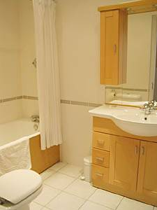London 3 Bedroom accommodation - bathroom 2 (LN-295) photo 1 of 1