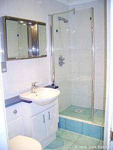 London 3 Bedroom accommodation - bathroom 2 (LN-306) photo 1 of 1