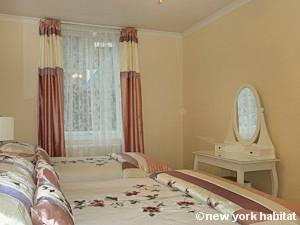 London 2 Bedroom accommodation - bedroom 1 (LN-334) photo 2 of 2