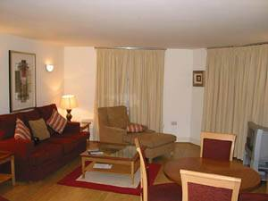 London - 2 Bedroom accommodation - Apartment reference LN-370