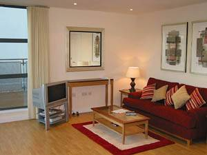 London - 2 Bedroom accommodation - Apartment reference LN-379