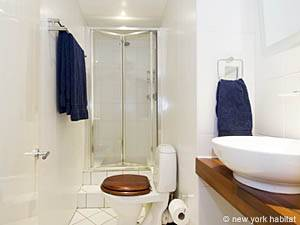 London 2 Bedroom accommodation - bathroom 2 (LN-422) photo 1 of 1